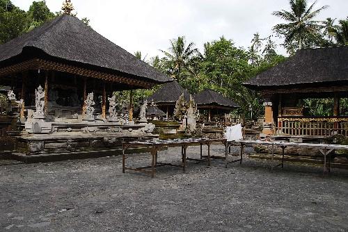 巴厘岛圣泉庙 - h_x_y_123456 - h_x_y_123456的博客