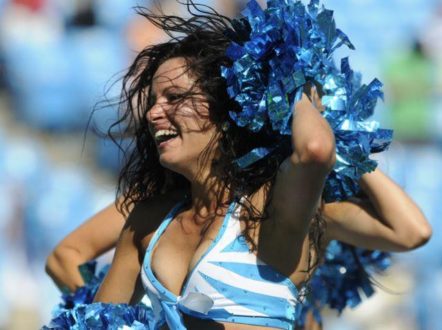 火辣NFL拉拉队美女,热舞点燃球迷热情(组图) - 刻薄嘴 - 刻薄嘴的网易博客:看世界