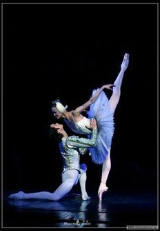 舞蹈而哭泣的灵魂