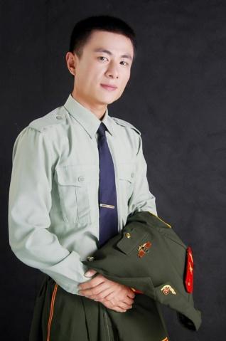 军人相册----潇洒武警的艺术照  - 披着军装的野狼 - 披着军装的野狼
