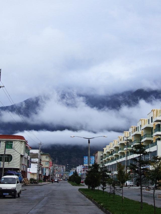 啊!林芝的清晨,梦幻一般--雪域西藏行之四 - 侠义客 - 伊大成 的博客