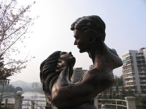 贵阳市的城市雕塑 - 娄季初 - 娄季初诗词文集