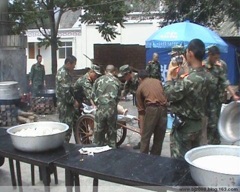 [原创]我作为一名普通志愿者在重灾区汶川龙溪支援抗震救灾记 - 韩律师 - 韩利律师工作室欢迎您的光临