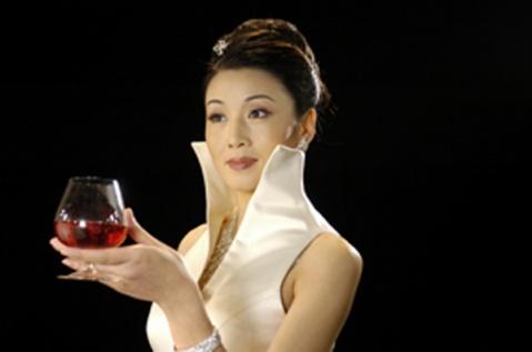 女人千般酒 - 淡泊如风 - 笑看人生