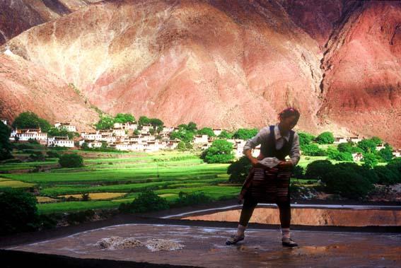 用镜头捕捉千年盐井的瞬间:位于川藏交界芒康地区 - 中华遗产 - 《中华遗产》