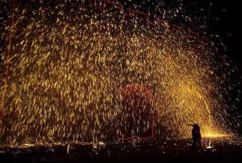 打树花--蔚县 - 阿豪 - 阿豪的摄影博客