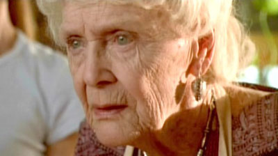 《泰坦尼克号》老年露丝演员迎来百岁生日(图)