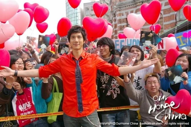 王力宏《心跳》庆功版 高清晰 - 音乐超人 - 音乐超人