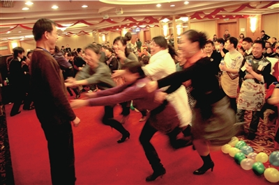 """广州富豪""""选妃""""事件,突显中国女性新择偶观 - 暗之圣域 - 暗之圣域"""