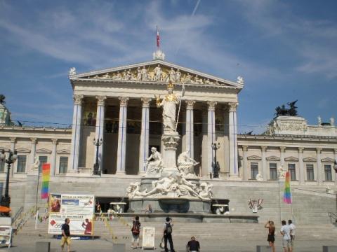 奥地利的建筑风格好像受罗马