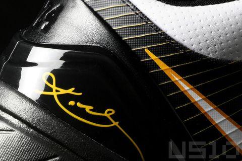 最轻的篮球鞋--ZOOM KOBE IV - US10 - US10的鞋子们的故事