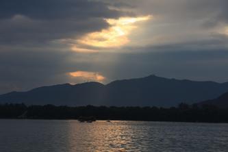 雨后昆明湖的傍晚