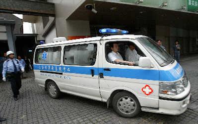 三岁孩子拨打110、120只为了救助受伤的姐姐(辣妈育儿)