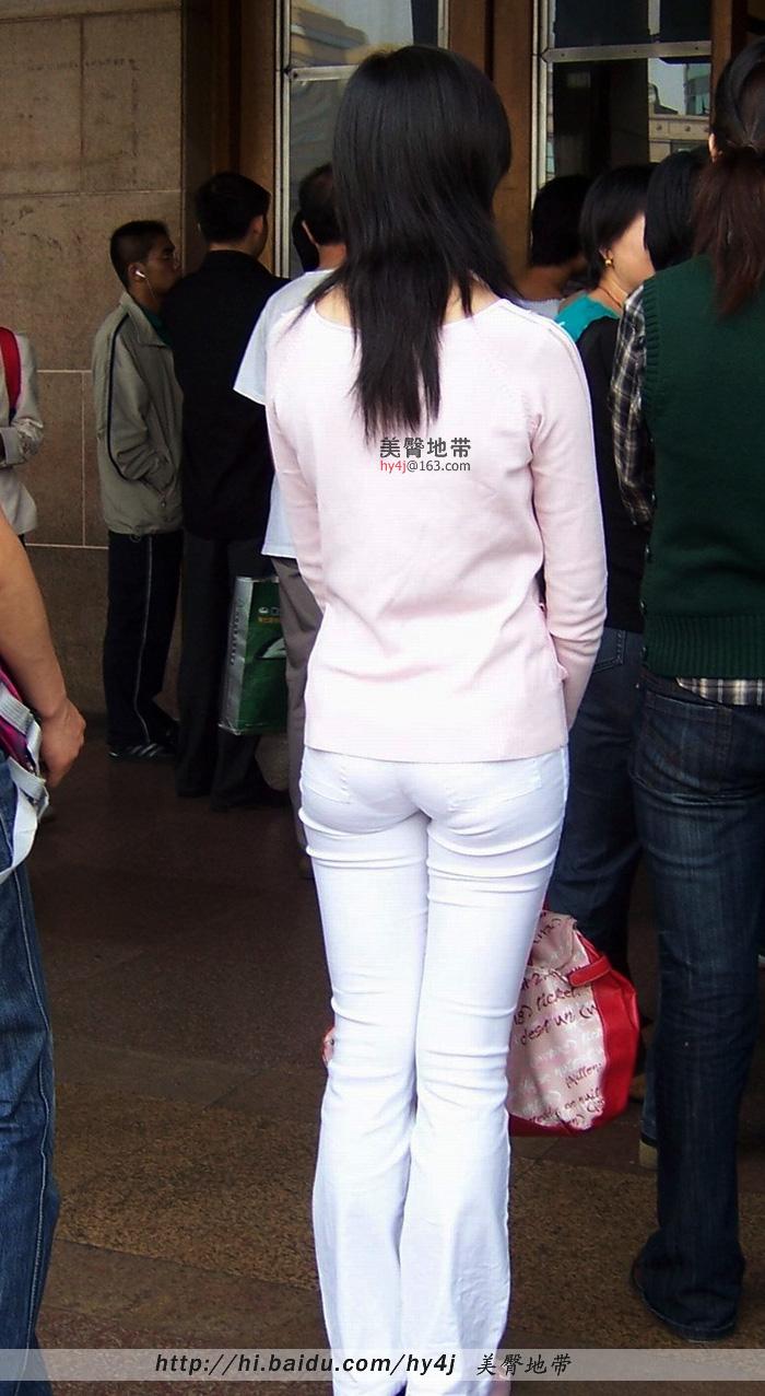 【转载】车站白裤小MM,柔软的圆臀非常诱惑! - zhaogongming886 - 东方润泽的博客