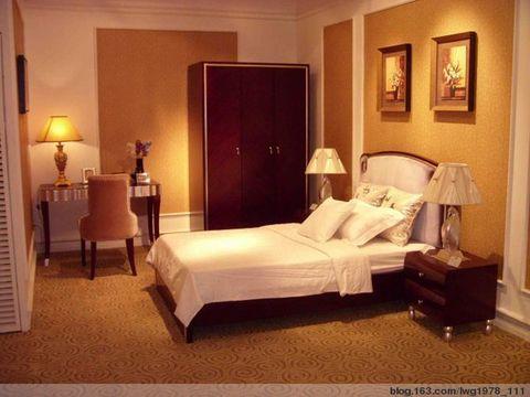客厅与餐厅博物架欧式风格