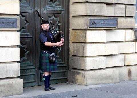 苏格兰风笛;方格裙 - pwezxjg - 凝听静思