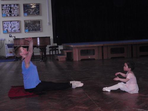 芭蕾课 - 姜丰 - 地主家的蜜罐子