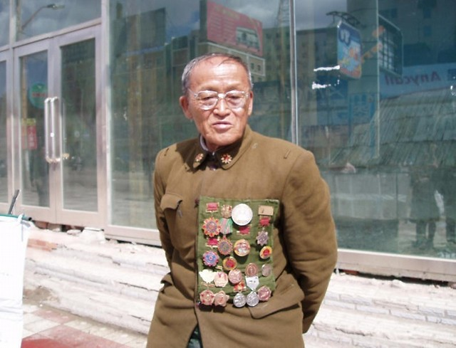原39军的少校老军人在街头要饭(有图有真相) - 狮子刘 - 化验室的博客