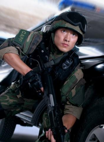 军人图片----《绝密押运》里的武警 - 披着军装的野狼 - 披着军装的野狼