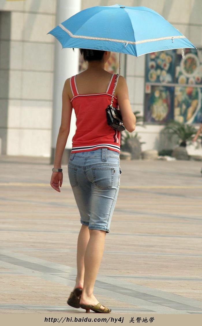【转载】红衣吊带五分牛仔翘臀妹妹,身材超棒 - zhaogongming886 - 东方润泽的博客