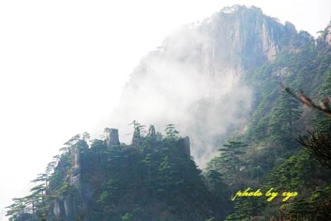 [原创]神州山水(01)黄山奇云《》 - 自由诗 - 人文历史自然 诗词曲赋杂谈