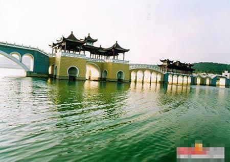 中国最豪华村庄令人惊羡的真面目(组图) - 一粒沙 - 一粒沙
