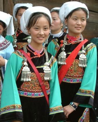 中国56个民族服饰 2009-05-26 10:59 - shaoshuai1975 - shaoshuai1975的博客