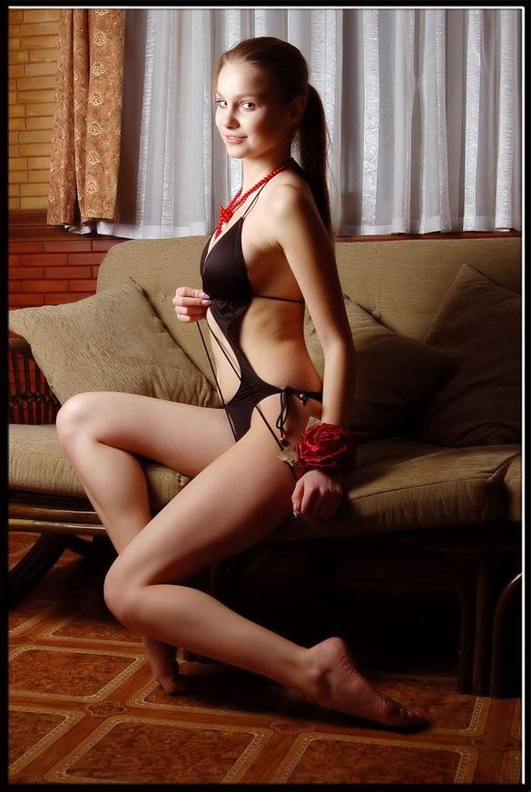 西洋靓丽的性感女郎 - 秀美人生 - 万里他乡遇故知
