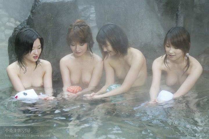 温泉美女集体裸露 这套图放哪都是精华啊