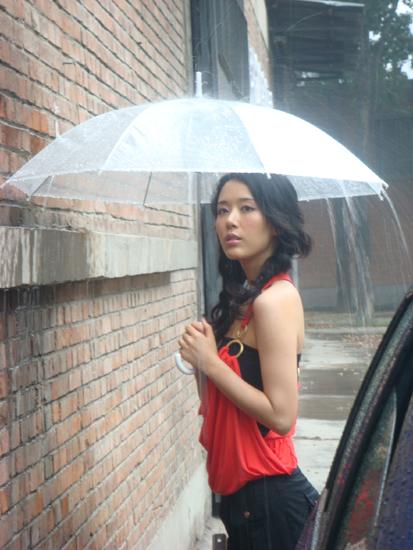 为《车友报》拍摄(二) 风云突变雨中拍摄 - rain.911 - 颜丹晨的博客