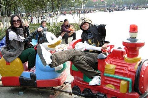 """《倚天屠龙记》小昭決定和情敵""""趙敏""""一起去十堰市走走逛逛 - 冰豆 - 向六的空间"""