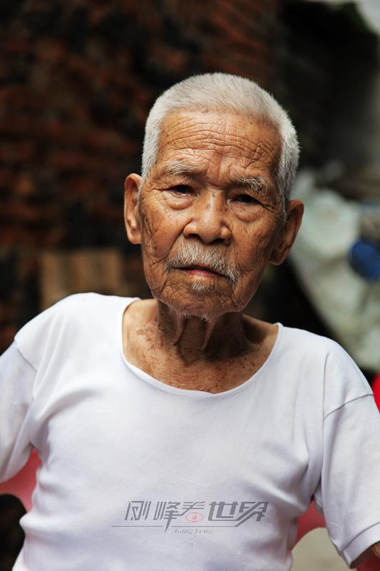 百岁老人王宏万的昨天与今生 - 刚峰先生 - 天涯横呤