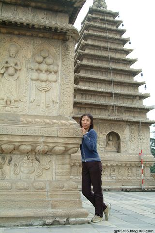 北京五塔寺的塔 - 六月荷花 - 六月荷花的池塘