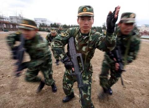 武警训练 - 披着军装的野狼 - 披着军装的野狼
