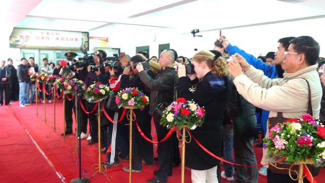 """【转载】新年新事-我们策划的展览在漳州隆重开幕了 - 土楼画家卢果 - """"道一居""""欢迎您到"""