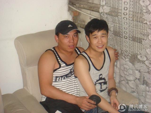 710722321_jewel和她的小丈夫_小黄飞老公崔野图片