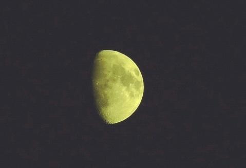 月亮之上 (原创) - 我行我摄 - 摄影大家庭