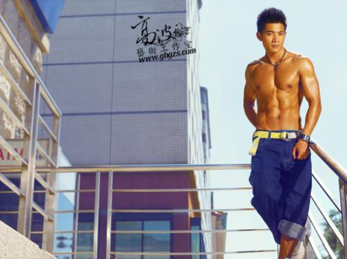 京城身价最高的健身教练朱晓辉当街裸舞(高波出品) - 110414 - 左岸麦田の魔男志