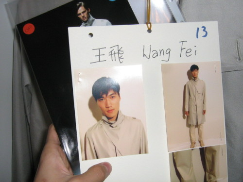 名模王飞演绎奢华品牌versace幕后花絮 - 110414 - 左岸麦田の魔男志