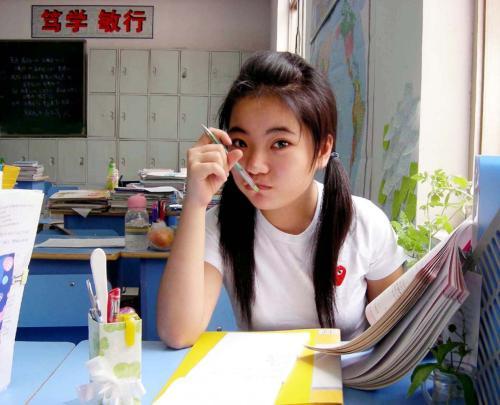 我在教室里,像不像标准好学生? - 198910 - 蒋方舟的博客