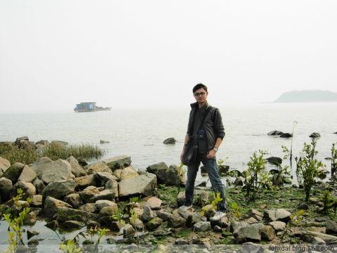 天后像对住嘅又系一片海,不过从果度向滨海公园一路走去嘅高清图片