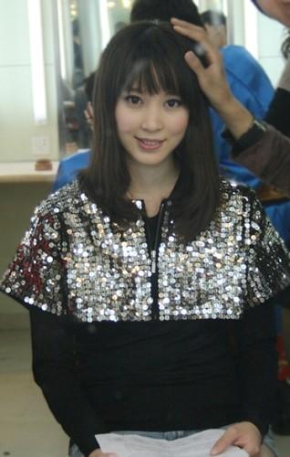 在《星光大道》跟毕福剑老师PK孔雀舞 - 袁菲 - 袁菲 的博客