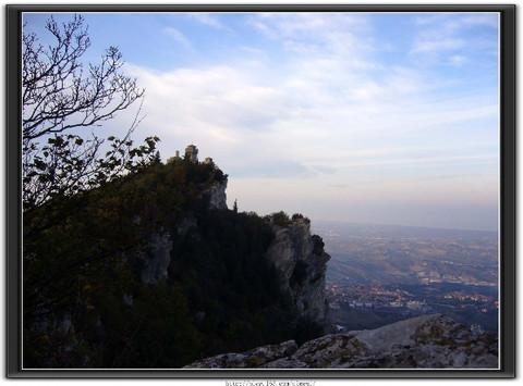 (原创)全家乐--故地重游袖珍小国圣马力诺 - 风和日丽(和佬)  - 鹿西情结--和佬的博客