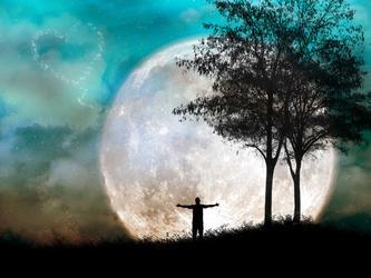 月光浪漫小夜曲  【 原创抒情诗 】