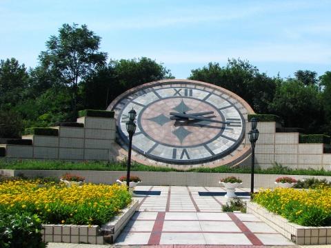 5.这个大钟好像是走着的!   6.热带植物馆的植物,里面简直像高清图片