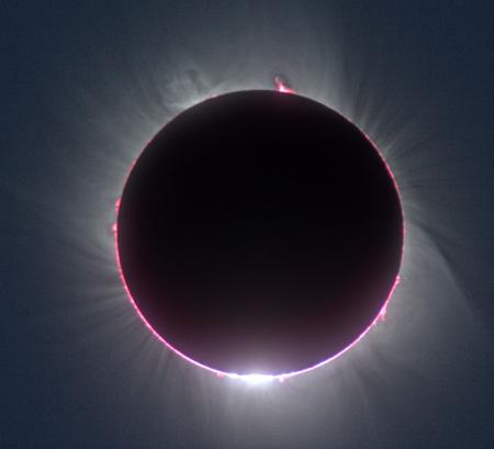 组图:日全食瞬间闪现的贝利珠