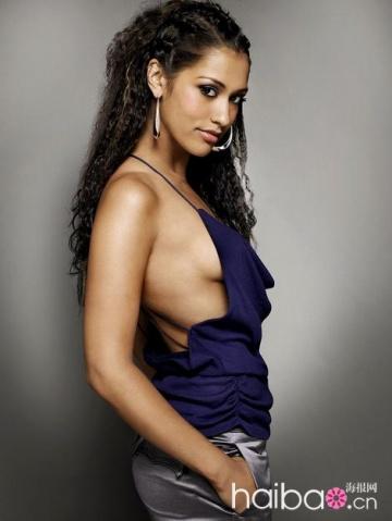 Janine Gavankar stars as Papi