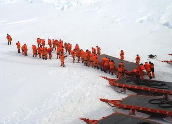 中国第一个南极内陆考察站昆仑站建设记 - 外滩画报 - 外滩画报 的博客