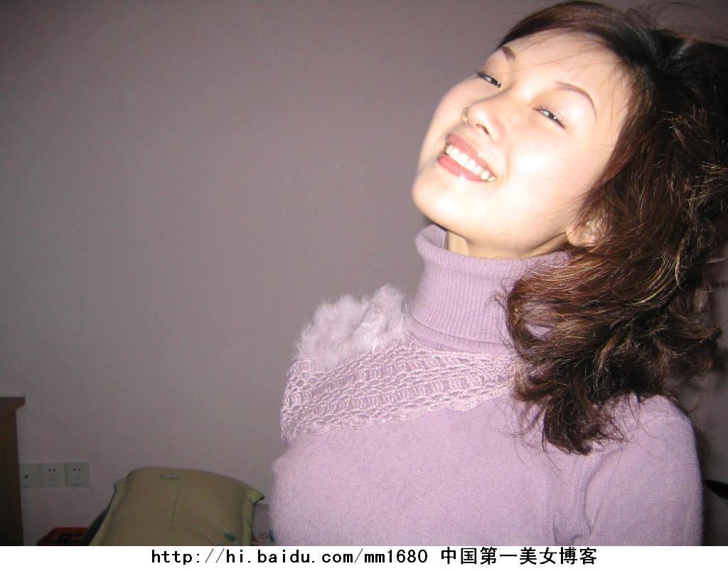 美女网友陆冰嫣的真实自拍照柔媚多情女人味