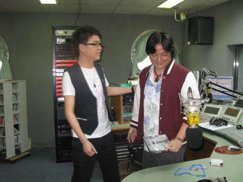 日记 [2008年05月07日]  赴宝岛台湾   宣传新唱片《男人的眼泪》 - 刘嘉亮 -                  刘嘉亮